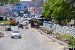 Фото: Евгений Кулешов   Во Владивостоке комплексно ремонтируют дороги и другие объекты городской инфраструктуры