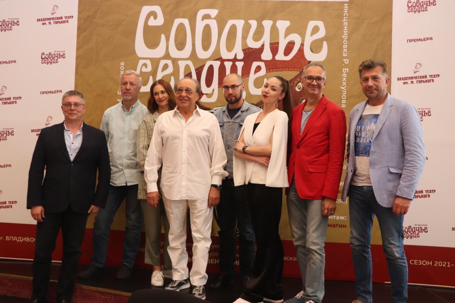 В театре им. М. Горького очередной сезон завершают двумя премьерами и гастролями в Беларусь