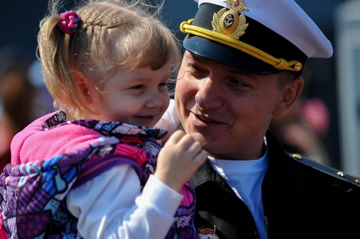 Корабли Тихоокеанского флота вернулись во Владивосток из дальнего похода