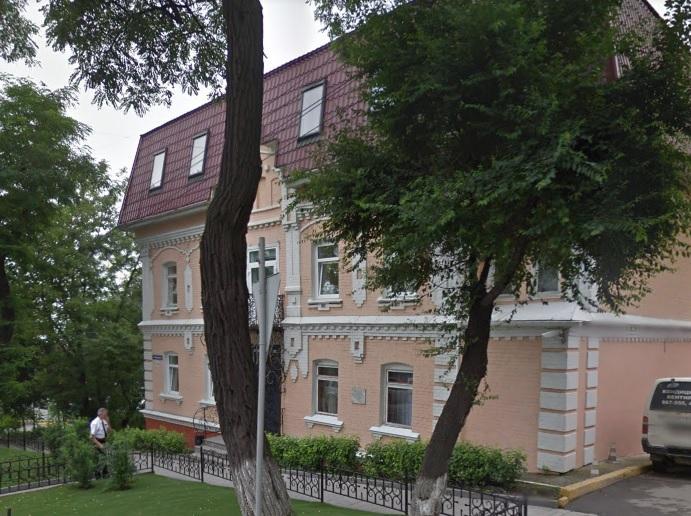 Бывший федеральный чиновник купил офисное здание в центре Владивостока