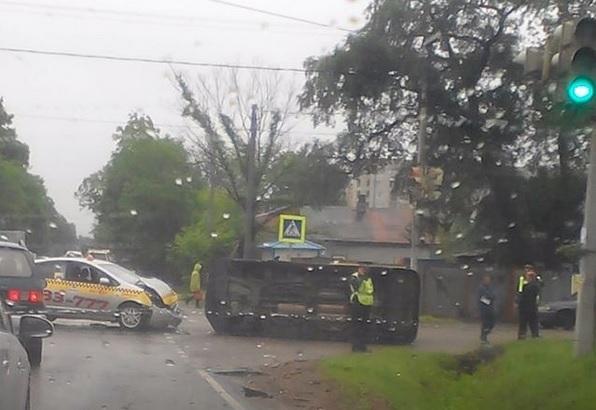Еще одно ДТП с участием автомобиля такси произошло в Приморье