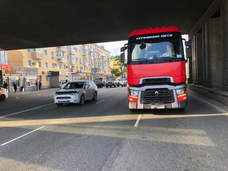 Раскрыты обстоятельства ДТП с участием грузового автомобиля во Владивостоке