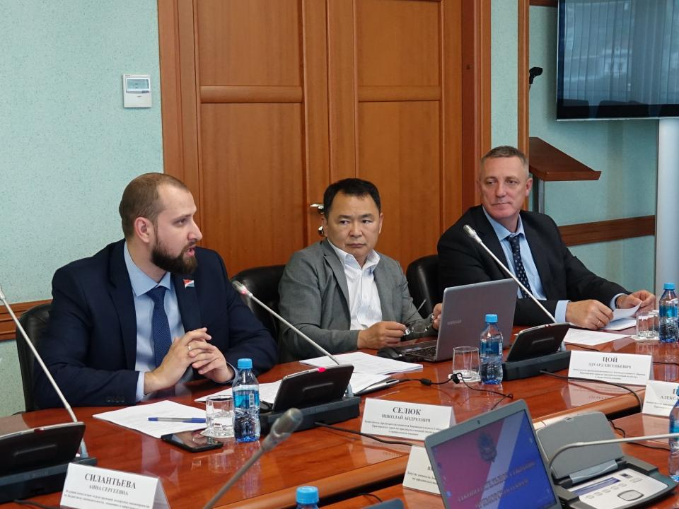 Приморские депутаты предлагают уточнить процедуру получения земельных участков для сельхозорганизаций