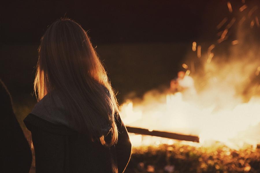 «Шашлык с огоньком»: в популярном кафе во Владивостоке бушует пожар