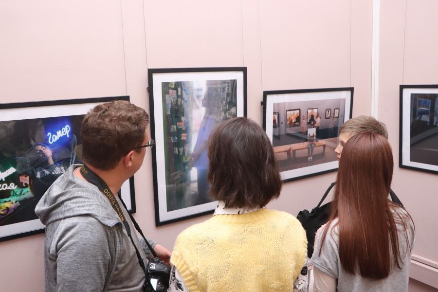 Во Владивостоке открылась фотовыставка «Арт-пространство Владивостока. События. Люди»