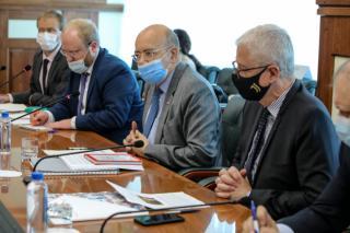 Фото: Игорь Новиков/ Правительство ПК   Чрезвычайный и полномочный посол Франции прибыл во Владивосток