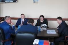 Важность работы с районами обсудили в приморском парламенте