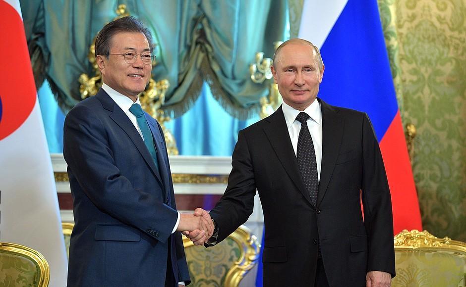 Путин пригласил лидера Южной Кореи во Владивосток на ВЭФ