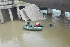 Ночью дорогу по мосту через Кроуновку перекрыли для всех видов транспорта