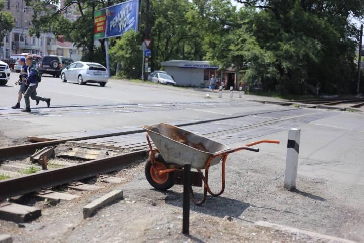 Демонтаж трамвайных рельсов начался во Владивостоке