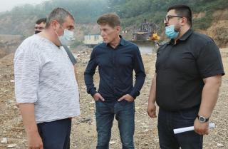 Фото: Иван Дякин/ Правительство ПК   Губернатор Приморья раскритиковал работу мусорного полигона на Холмистой
