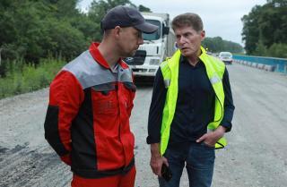 Фото: primorsky.ru | Губернатор Приморья проинспектировал ход ремонта важных региональных дорог