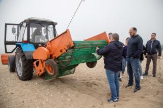 Фото: Анастасия Котлярова / vlc.ru   Во Владивостоке очистят прибрежную песчаную полосу в бухте Лазурной