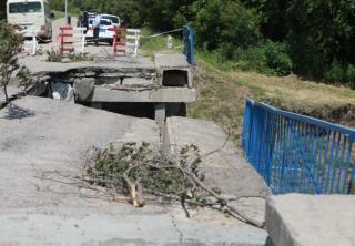 Фото: Иван Дякин/ Правительство ПК   В Уссурийске возведут временный металлический мост к началу сентября