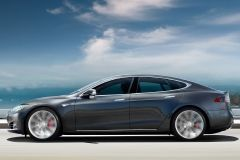 «Автомобиль будущего» Tesla: не так безопасен, как казалось?