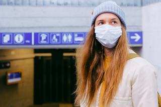 Фото: pexels.com | Названо пять симптомов, помогающих отличить новый COVID от простуды