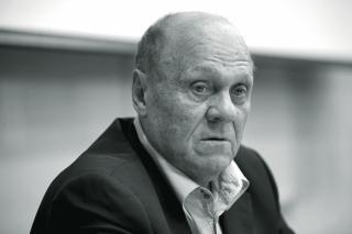 Фото: kinopoisk.ru | Умер режиссер фильмов «Розыгрыш» и «Москва слезам не верит»