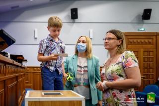 Фото: Евгений Кулешов/ vlc.ru   Во Владивостоке многодетные семьи получили еще 24 земельных участка