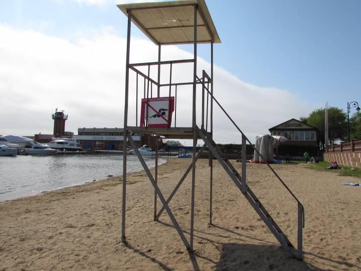 Врачи рассказали о последствиях купания на пляжах Владивостока