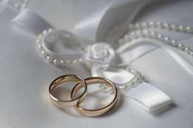 Уговор дороже денег: кто и зачем заключает брачные контракты?