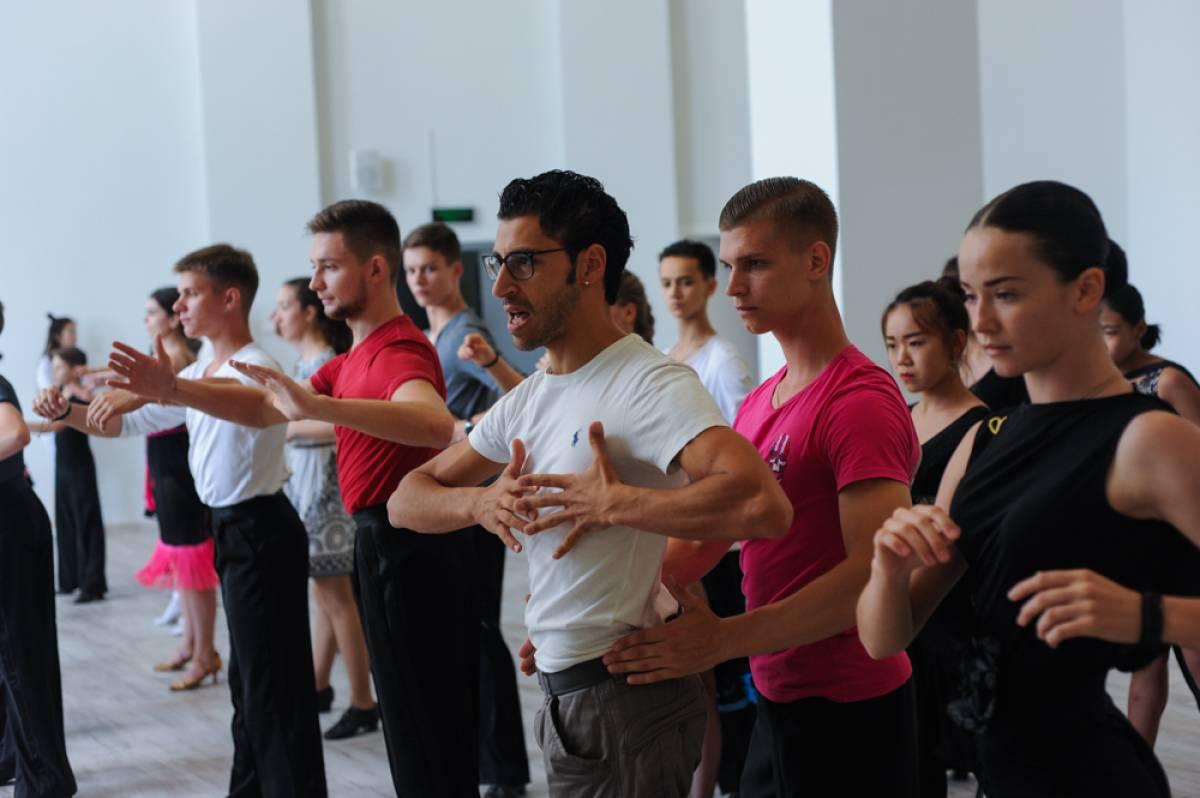 Танцевальный мастер-класс и спортивные состязания прошли во Владивостоке