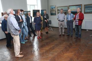 Фото: Екатерина Дымова / PRIMPRESS   Больше пейзажей: сразу две юбилейные выставки открылись во Владивостоке