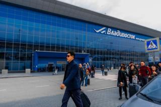 Фото: PRIMPRESS | Ситуация на парковке аэропорта Владивостока возмутила соцсети
