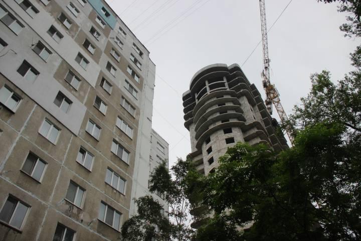 Новострой лишил жителей дома во Владивостоке солнечного света