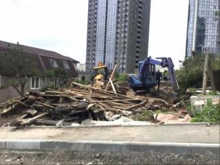Фото: vlc.ru | ВоВладивостокеснесли три заброшенных здания