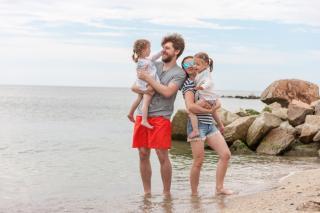 Фото: freepik.com | Опрос для родителей: в Приморье учтут мнение жителей при организации детских выплат