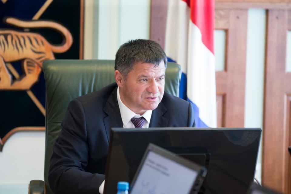 Андрей Тарасенко приступил к общественному обсуждению своей программы