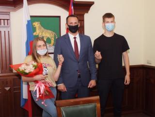 Фото: Александр Колегов / vlc.ru | Детям-сиротам во Владивостоке вручили ключи от квартир