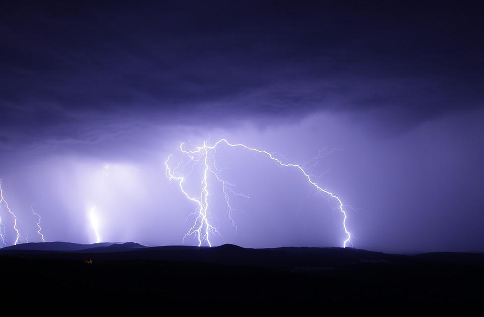 Кратковременные дожди с грозами сохранятся в Приморье