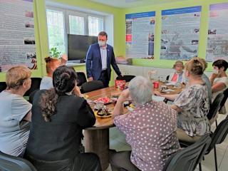 Фото: zspk.gov.ru   Председатель ЗС ПК Александр Ролик обсудил с ветеранами труда волнующие их темы