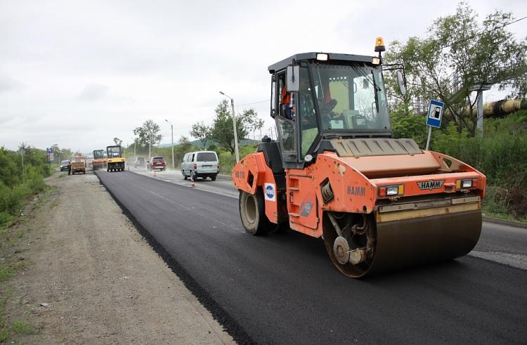 Ремонт дорог местного значения проходит в 10 городах и районах Приморского края
