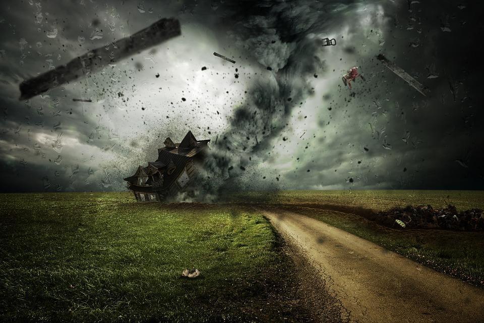 В Приморье из-за урагана пострадало несколько домов