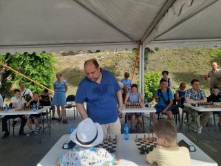 Фото: Ксения Снежинская   У жителей Владивостока была возможность сыграть с мировым гроссмейстером