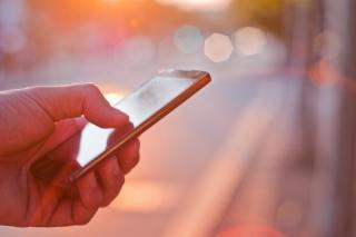Фото: freepik.com   Эксперты рассказали, почему стоит избегать перепадов температур и как не перегреть смартфон