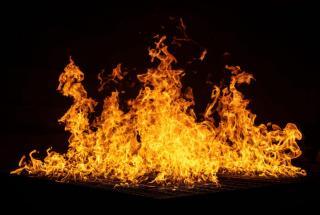 Фото: freepik.com   «Жалко людей»: приморцы обнаружили на парковке сгоревшие авто