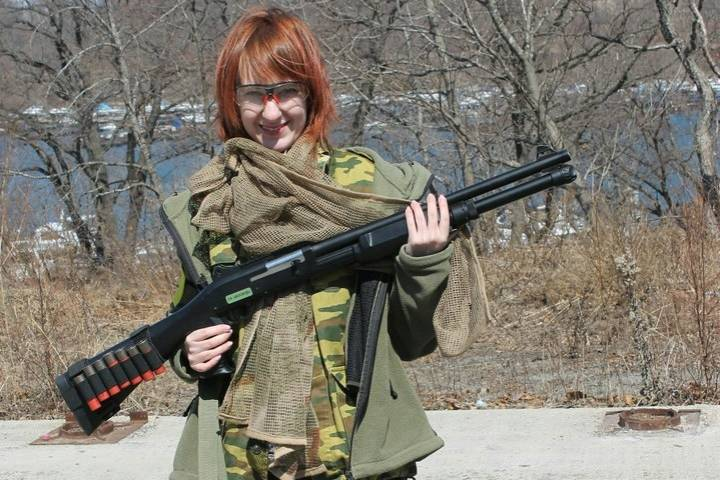 «Девушка с ружьем»: почему прекрасный пол все чаще отдает предпочтение неженским хобби?