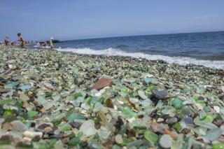 Фото: PRIMPRESS | Действия китайских туристов на уникальном пляже Приморья возмутили народ
