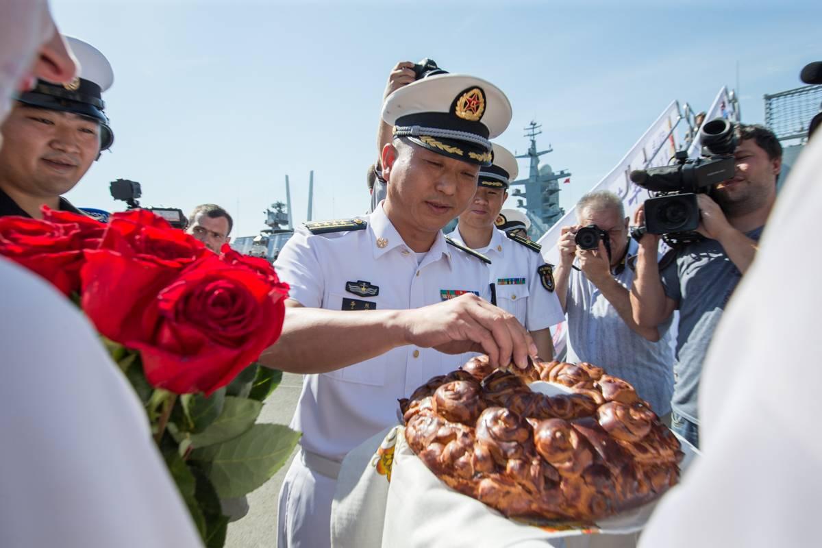 Корвет ВМС Китая «Хуанши» прибыл во Владивосток для участия в «Кубке моря»