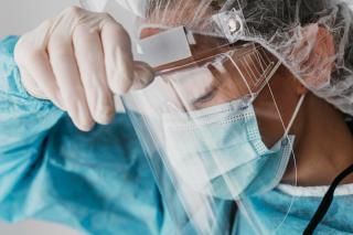 Фото: freepik.com   Приморские медики назвали «третью волну» самой опасной