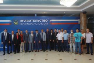 Фото: primorsky.ru   Олег Кожемяко открыл конференцию по спортивной борьбе