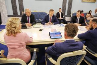 Фото: Игорь Новиков (правительство Приморского края) | В Приморье обсуждаются планы по модернизации тепловых сетей