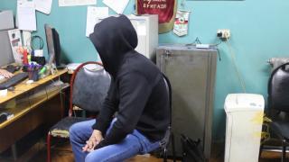 Фото: 25.мвд.рф | В Приморье грабитель в черной маске напал на павильон быстрого питания