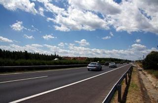 Фото: PRIMPRESS   Массовые оползни мешают строительству трассы в Приморье