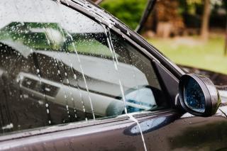 Фото: Pexels | Как определить «топляк»: эксперты рассказали, как не купить пострадавший от наводнения автомобиль