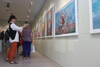 Фото: Екатерина Дымова / PRIMPRESS | Творчество впечатлений: во Владивостоке открылась выставка работ австрийского художника
