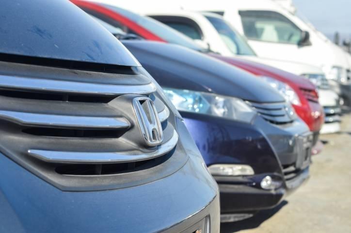 «Такой автомобиль – один в мире»: необычный Honda Fit продают в Приморье